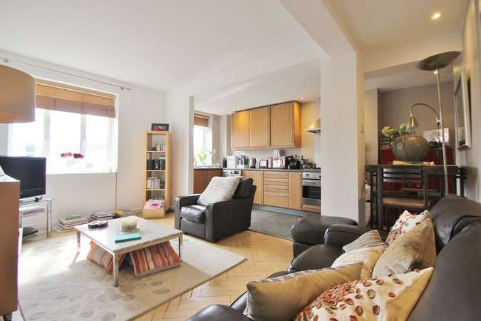 3 Bedrooms Flat for sale in Latymer Court, Hammersmith Road, London