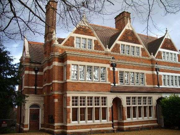 2 Bedrooms Flat for sale in London Road, Leicester