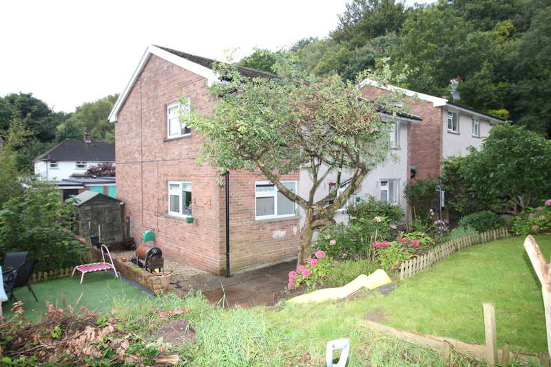 3 Bedrooms Apartment Flat for sale in Green Meadow Drive, Tongwynlais, CARDIFF