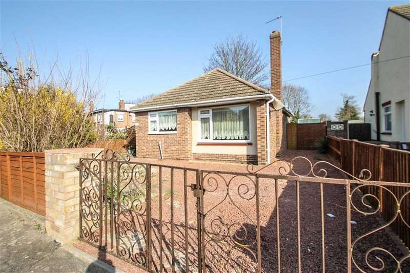 2 Bedrooms Detached Bungalow for sale in Windmill Park, Clacton-on-Sea