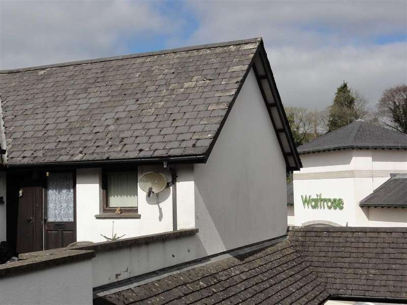 2 Bedrooms Apartment Flat for sale in Charter Place, Okehampton, Devon, EX20