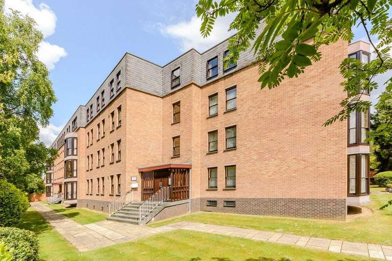 3 Bedrooms Flat for sale in Hartley Court, Central North Oxford, Oxford