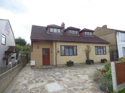 5 Bedrooms Bungalow for sale in Rainham, Essex, .