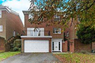 4 Bedrooms Detached House for sale in Warren Road, Purley