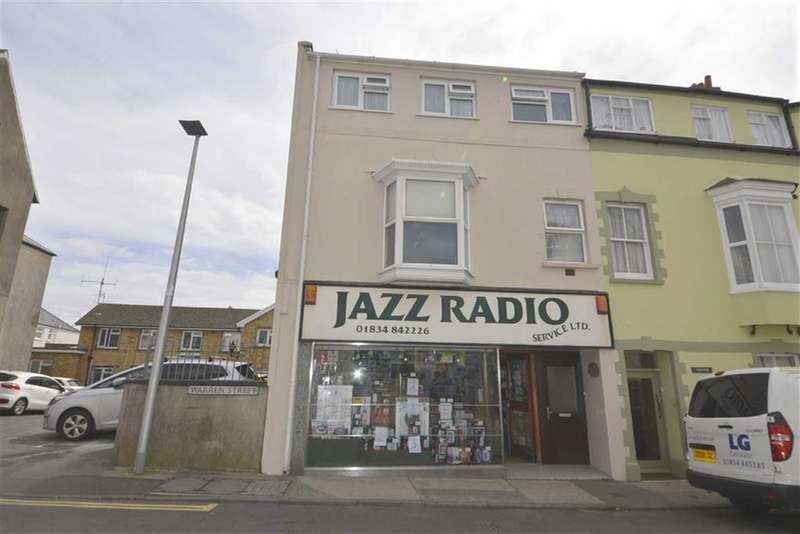 3 Bedrooms Flat for sale in Ventnor House, 1, Warren Street, Tenby, Dyfed, SA70