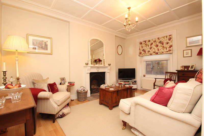 1 Bedroom Flat for sale in Victoria Road, Surbiton