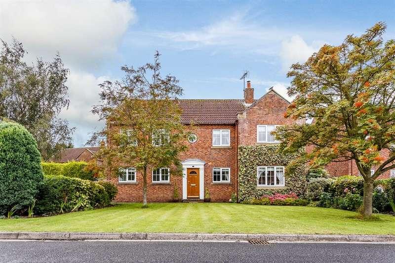 5 Bedrooms Detached House for sale in Escrick Park Gardens , Escrick, York, YO19 6LZ