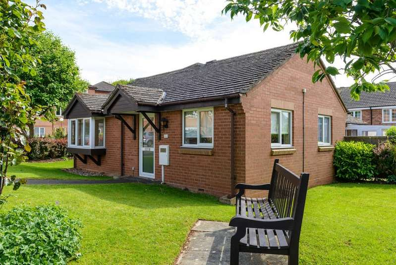 2 Bedrooms Semi Detached Bungalow for sale in Ashdene Gardens, Kenilworth
