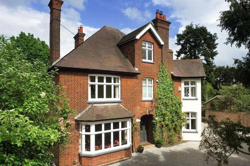 6 Bedrooms Detached House for sale in Cricketers Close, Harpenden Road, St. Albans