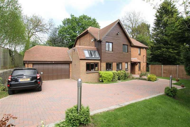 5 Bedrooms Detached House for sale in Dingle Close, Arkley, Herts, EN5