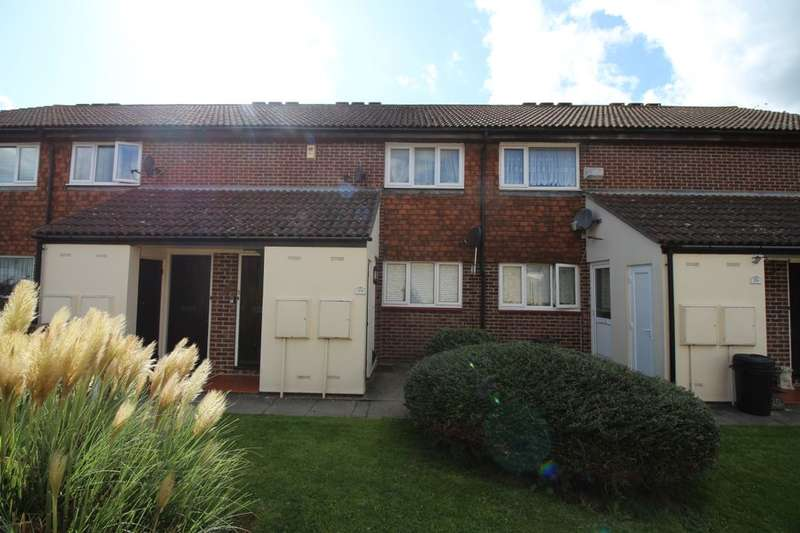 1 Bedroom Flat for sale in Shepperton Close, Chatham, ME5