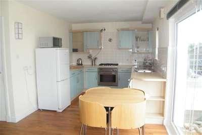 2 Bedrooms Flat for rent in Lanark Street, Glasgow Green, G1