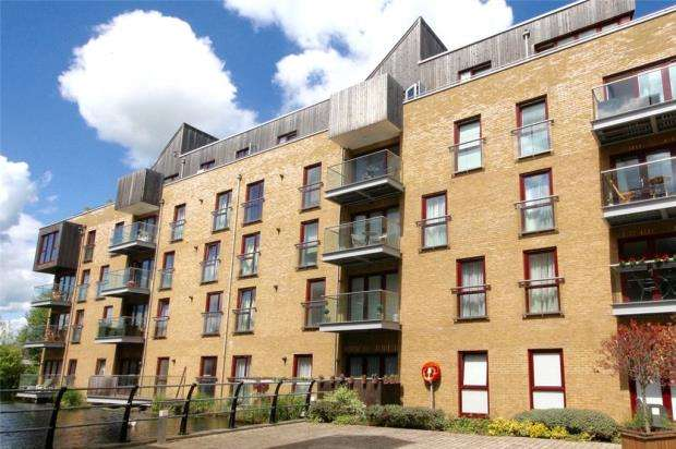 2 Bedrooms Apartment Flat for sale in Kings Mill Way, Denham, Uxbridge