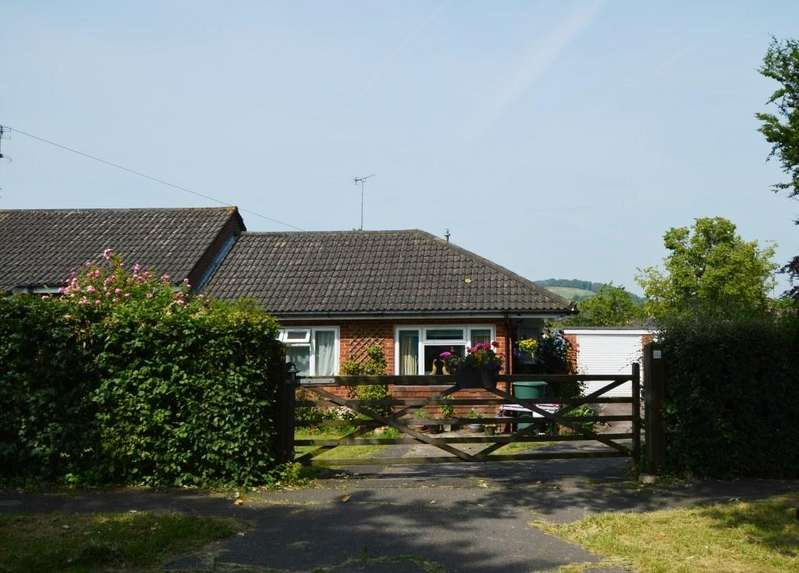 3 Bedrooms Bungalow for sale in South Acre, South Harting, GU31