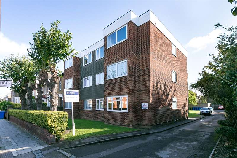 2 Bedrooms Flat for sale in Crystal Palace Road, London, SE22