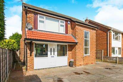 3 Bedrooms Detached House for sale in Sudbury Drive, Cheadle, Heald Green, Cheadle