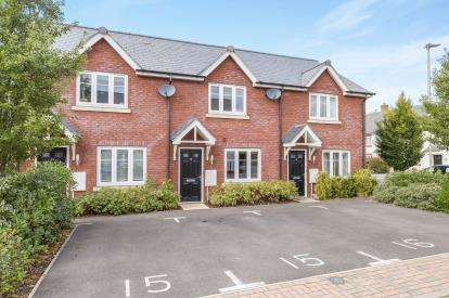 2 Bedrooms Terraced House for sale in Verda Place, Cheltenham, Gloucestershire