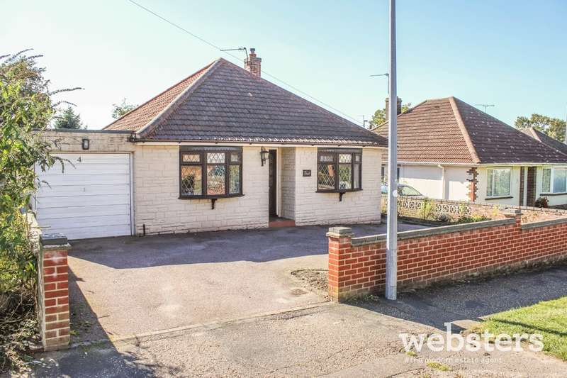 3 Bedrooms Detached Bungalow for sale in Westgate, Norwich NR6