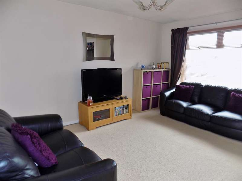 2 Bedrooms Flat for sale in Midfield View, Elm Tree, Stockton-on-Tees, TS19 0TG