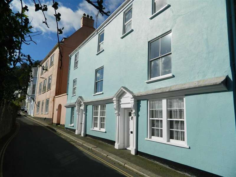 3 Bedrooms Semi Detached House for sale in South Town, Dartmouth, Devon, TQ6