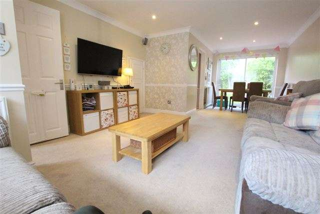 4 Bedrooms Semi Detached House for sale in Hazel Way, Crawley Down, Crawley, West Sussex, RH10 4JS