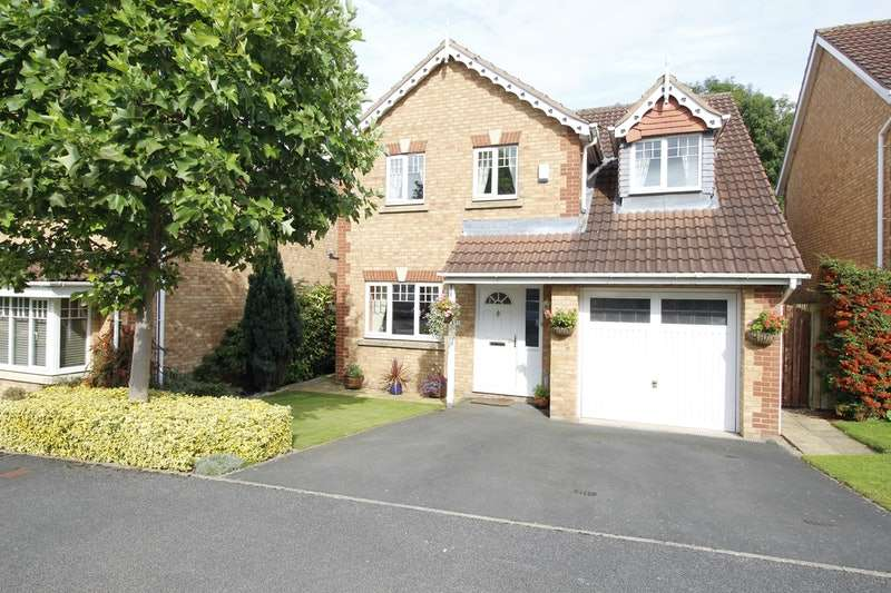4 Bedrooms Detached House for sale in Arran Way, Leeds, West Yorkshire, LS26