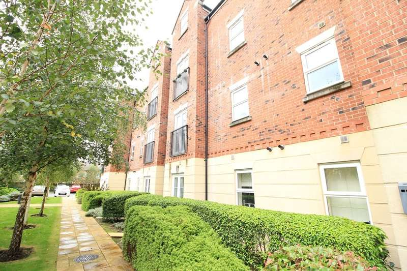 2 Bedrooms Flat for sale in Beckford Court, Tyldesley, Manchester, M29