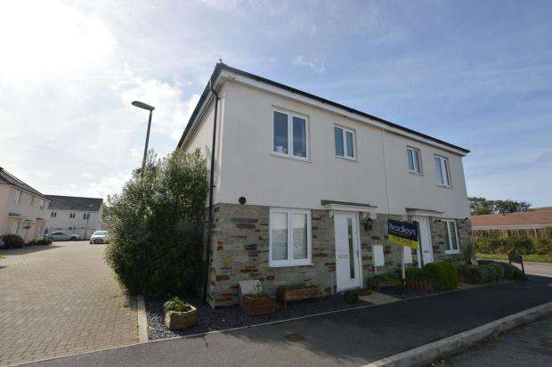 3 Bedrooms Semi Detached House for sale in Cavendish Crescent, Newquay, Cornwall