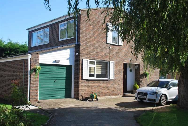 4 Bedrooms Detached House for sale in Willow Reach, Christmas Lane, ROCHESTER