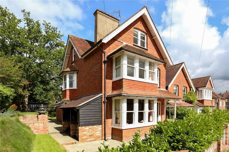 5 Bedrooms Detached House for sale in Meadow Vale, Haslemere, Surrey, GU27