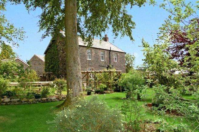 4 Bedrooms Detached House for sale in Troutbeck, Penrith, Cumbria, CA11