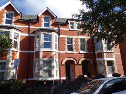 6 Bedrooms Semi Detached House for sale in Hawarden Road, Colwyn Bay, Conwy, LL29