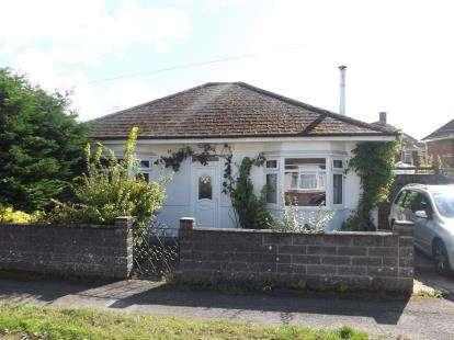 3 Bedrooms Bungalow for sale in Totton, Hants