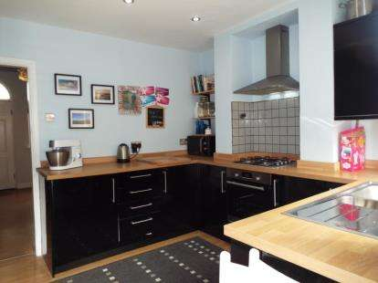 1 Bedroom Terraced House for sale in Stanley Street, Mold, Flintshire, CH7