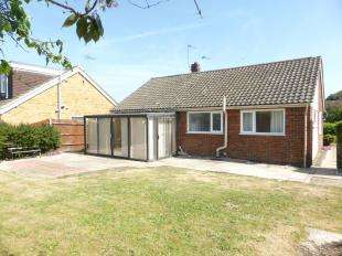 2 Bedrooms Bungalow for sale in Sycamore Close, Lydd, Romney Marsh, Kent