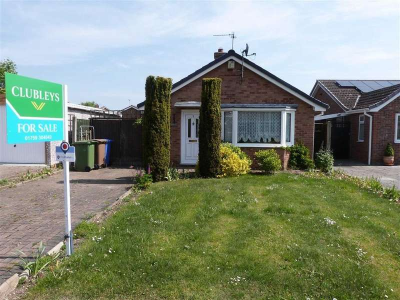 2 Bedrooms Detached Bungalow for sale in Greenacre Close, Pocklington