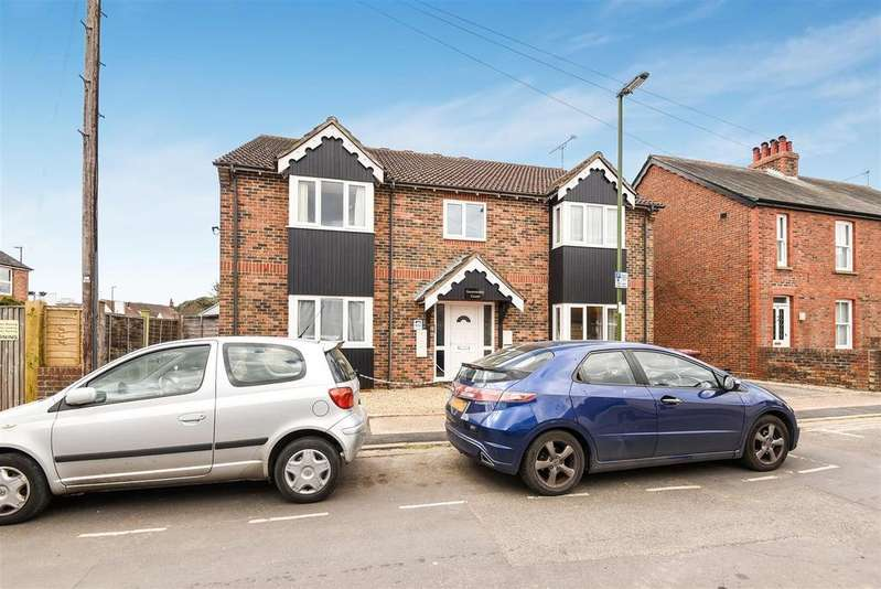 2 Bedrooms Apartment Flat for sale in Guilden Road, Chichester