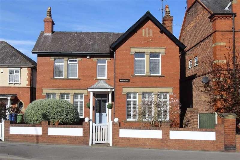 3 Bedrooms Detached House for sale in Station Avenue, Bridlington, East Yorkshire, YO16