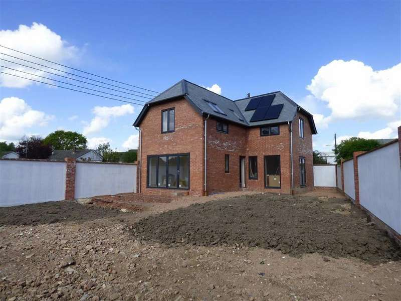 3 Bedrooms Detached House for sale in Gables Road, Willand, Cullompton, Devon, EX15