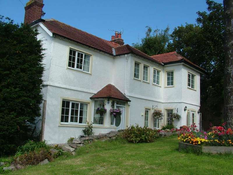 4 Bedrooms Detached House for sale in Peulwys Lane, Old Colwyn