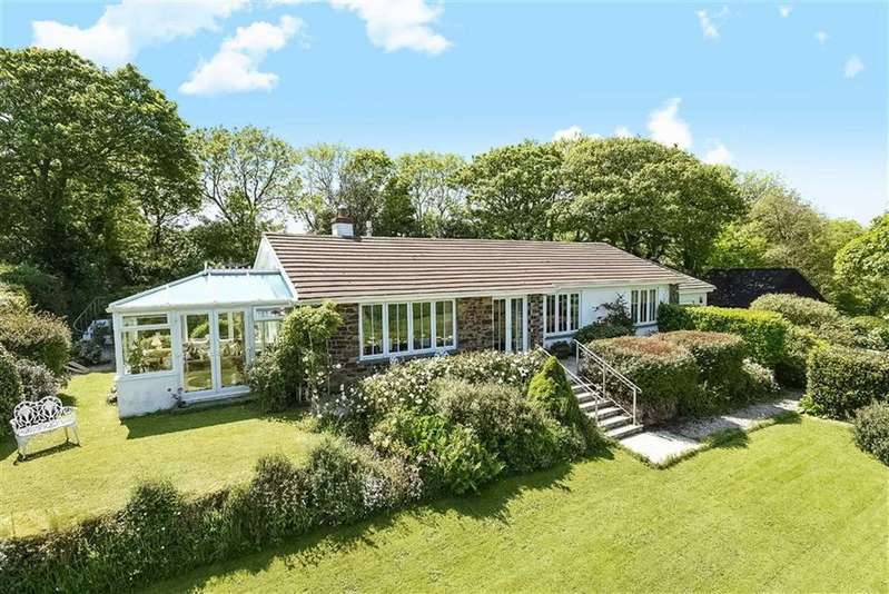 4 Bedrooms Bungalow for sale in Manaccan, Helston, Cornwall, TR12