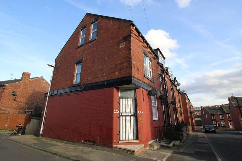 6 Bedrooms Flat for sale in Aviary Road, Armley