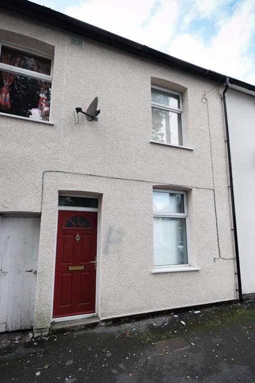 2 Bedrooms Terraced House for sale in Derby Square, Preston, PR1