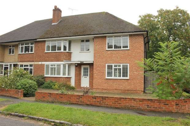4 Bedrooms Semi Detached House for sale in Priory Way, Chalfont St Peter, Buckinghamshire