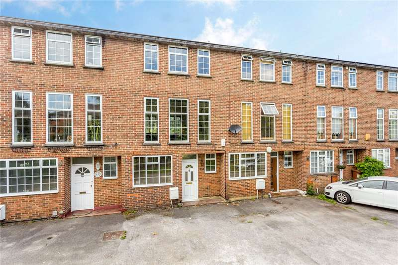3 Bedrooms Terraced House for sale in London Road, Cheam, Sutton, Surrey, SM3