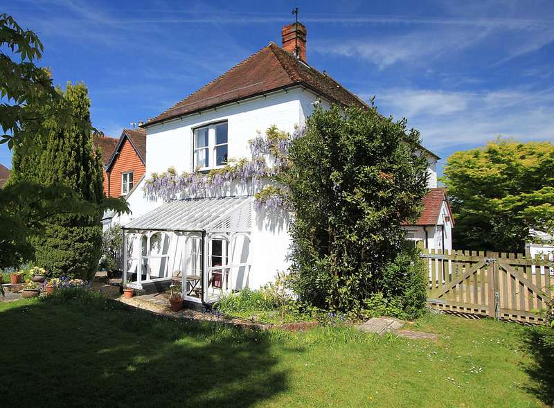 3 Bedrooms Country House Character Property for sale in Lower Basildon, Berkshire