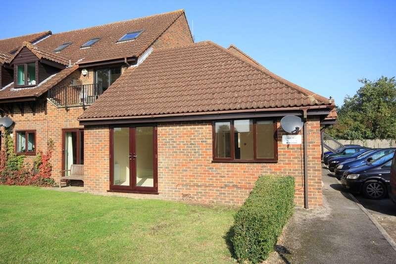 2 Bedrooms Ground Flat for rent in Princes Risborough   Buckinghamshire