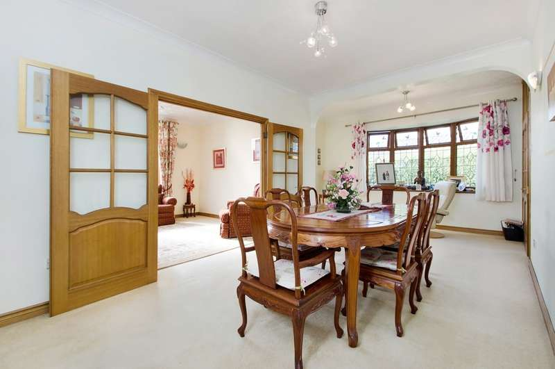4 Bedrooms Chalet House for sale in Drayton, Hampshire