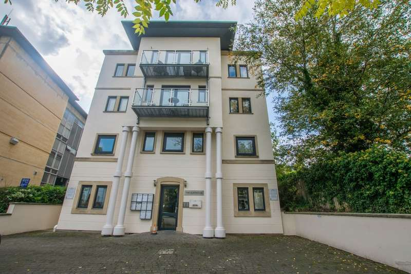 2 Bedrooms Flat for sale in St. Georges Road, Cheltenham, GL50 3EE