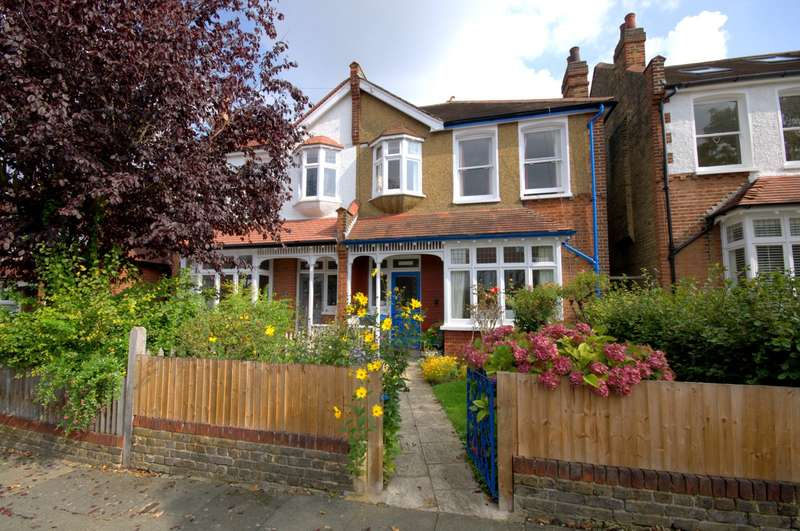 3 Bedrooms Semi Detached House for sale in Christchurch Area